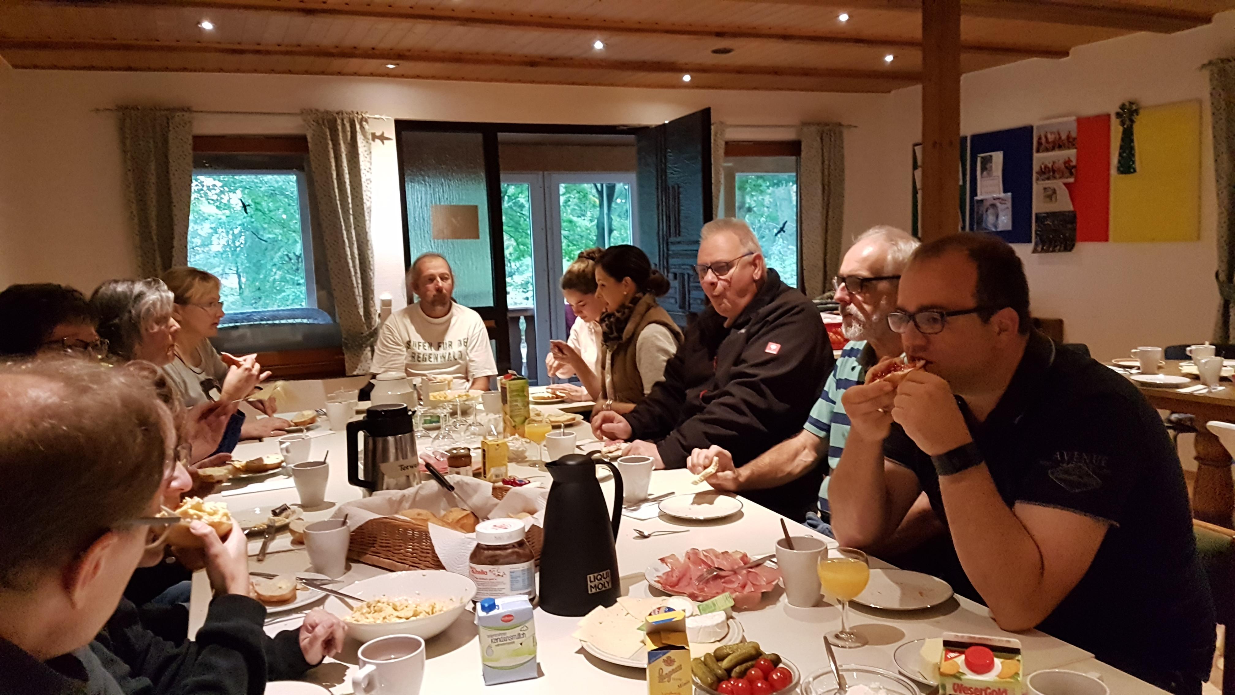Photo of Wetter-Helden beim Rudelrundgang nach tollem Frühstück